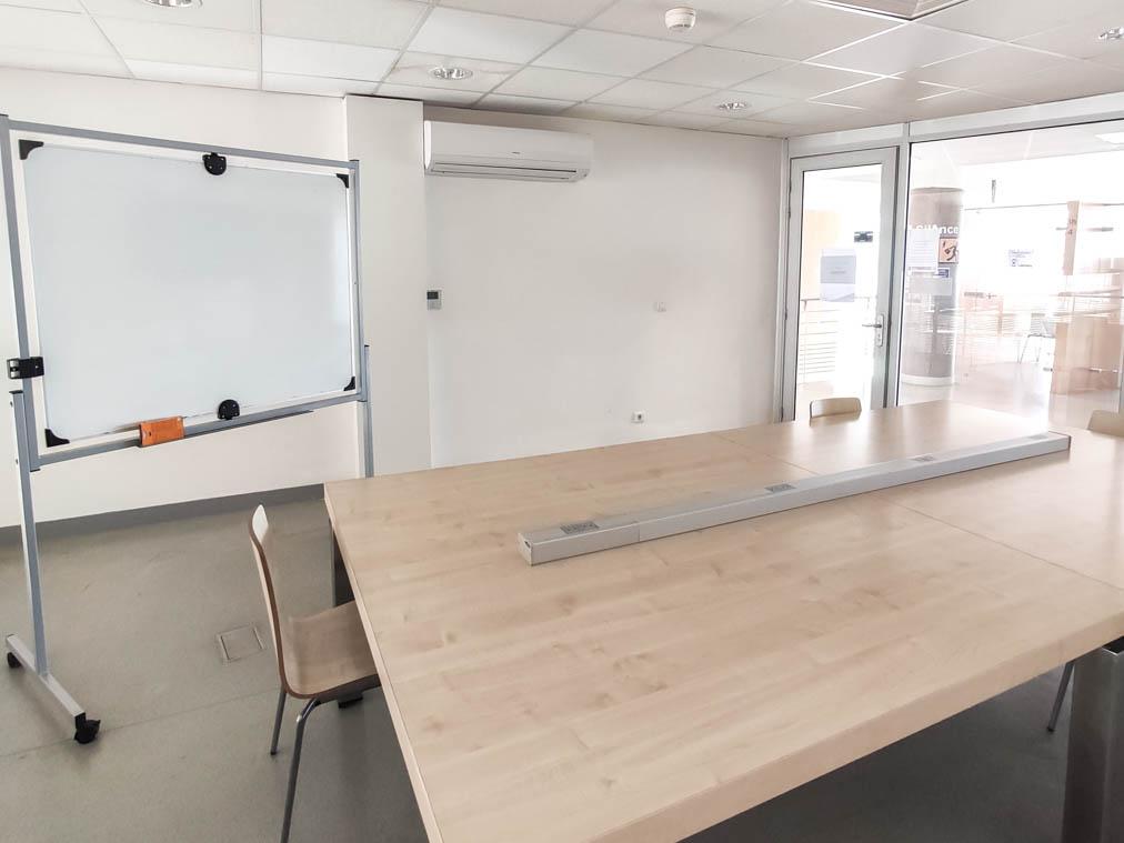 Salle de travail en groupe Incubateur